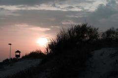 Σκηνή παραλιών ηλιοβασιλέματος Στοκ φωτογραφία με δικαίωμα ελεύθερης χρήσης