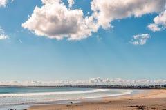 Σκηνή παραλιών στον κόλπο Britannia στον κόλπο Αγιών Ελένη στοκ εικόνες με δικαίωμα ελεύθερης χρήσης
