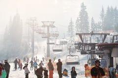 Σκηνή πρωινού στο χιονοδρομικό κέντρο Στοκ Φωτογραφίες
