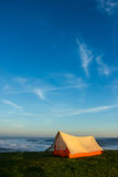 Σκηνή στην κορυφή ενός βουνού Στοκ Εικόνα