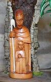 Σκηνή Nativity με την ιερή οικογένεια στο αφρικανικό ύφος Στοκ Φωτογραφία