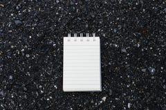 Σκηνικό πετρών της Λευκής Βίβλου που χρησιμοποιείται για τη λήψη σημειώσεων Στοκ Εικόνα