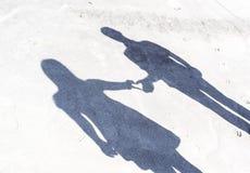Σκιά από το ζεύγος των εραστών στοκ εικόνες