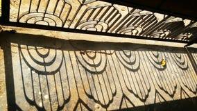 Σκιά πορτών σιδήρου Στοκ εικόνες με δικαίωμα ελεύθερης χρήσης