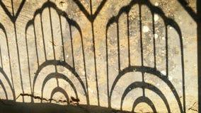 Σκιά πορτών σιδήρου Στοκ φωτογραφία με δικαίωμα ελεύθερης χρήσης