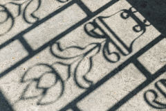 Σκιά στο έδαφος Περίληψη και θαμπάδα - εκλεκτής ποιότητας αναδρομικό ύφος επίδρασης Στοκ εικόνες με δικαίωμα ελεύθερης χρήσης