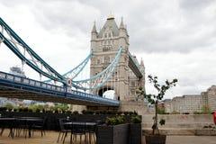 Σκιά της γέφυρας πύργων στοκ φωτογραφίες
