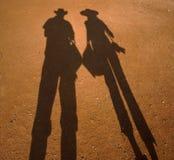 Σκιά του ζεύγους στην άμμο στοκ φωτογραφίες