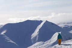 Σκιέρ πάνω από το βουνό Στοκ Εικόνα