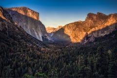 Σκιές κοιλάδων Yosemite Στοκ εικόνα με δικαίωμα ελεύθερης χρήσης