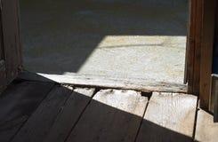 Σκιές στο ξύλινο πάτωμα Στοκ φωτογραφία με δικαίωμα ελεύθερης χρήσης