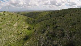 Σκιές των σύννεφων που κινούνται στο πράσινο τοπίο, καιρός που αλλάζει, μετεωρολογία απόθεμα βίντεο