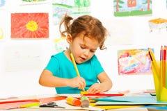 Σκιαγράφηση μικρών κοριτσιών Στοκ φωτογραφία με δικαίωμα ελεύθερης χρήσης