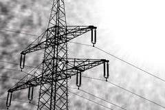 Σκιαγραφία απεικόνισης ενός ηλεκτροφόρου καλωδίου μπροστά από το Μαύρο και wh Στοκ Εικόνες