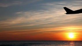 Σκιαγραφία απογείωσης αεροπλάνων απόθεμα βίντεο