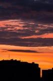 Σκιαγραφία αυγής εικονικής παράστασης πόλης Στοκ φωτογραφία με δικαίωμα ελεύθερης χρήσης