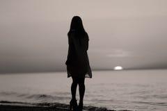 Σκιαγραφία ενός γυναικείου χορού Στοκ Φωτογραφίες
