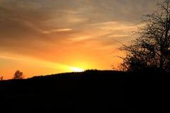 Σκιαγραφία ηλιοβασιλέματος Στοκ εικόνα με δικαίωμα ελεύθερης χρήσης