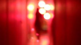Σκιαγραφία μιας προκλητικής γυναίκας στον υψηλό χορό τακουνιών απόθεμα βίντεο