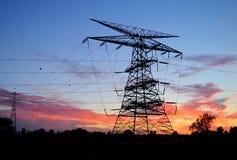 Σκιαγραφία πύργων ηλεκτρικής δύναμης Στοκ Εικόνες