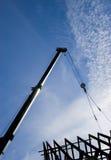 σκιαγραφία στεγών γερανών Στοκ φωτογραφία με δικαίωμα ελεύθερης χρήσης
