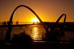 Σκιαγραφία της γέφυρας αποβαθρών της Elizabeth στοκ εικόνα με δικαίωμα ελεύθερης χρήσης