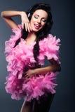 Σκιαγραφία της καλλιτεχνικής γυναίκας - φανταχτερό Κόμμα φορεμάτων. Ευτυχές DJ που έχει τη διασκέδαση στοκ φωτογραφία με δικαίωμα ελεύθερης χρήσης