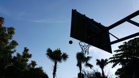 Σκιαγραφία της καλαθοσφαίρισης Στοκ Φωτογραφίες