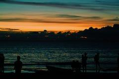 Σκιαγραφία του ηλιοβασιλέματος Στοκ φωτογραφίες με δικαίωμα ελεύθερης χρήσης