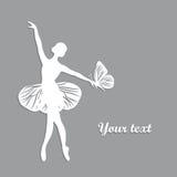 Σκιαγραφία του χορεύοντας κοριτσιού με butterfliy Στοκ Εικόνες