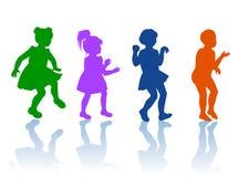 Σκιαγραφία των μικρών παιδιών και των κοριτσιών Στοκ φωτογραφία με δικαίωμα ελεύθερης χρήσης