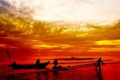 σκιαγραφία ψαράδων στοκ φωτογραφίες με δικαίωμα ελεύθερης χρήσης