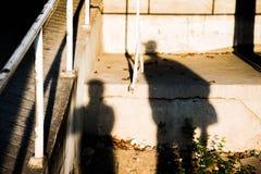 Σκιαγραφίες δύο ανθρώπων στοκ εικόνα