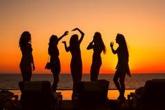 σκιαγραφίες κοριτσιών Στοκ φωτογραφία με δικαίωμα ελεύθερης χρήσης
