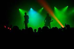Σκιαγραφίες στη συναυλία Στοκ φωτογραφία με δικαίωμα ελεύθερης χρήσης