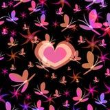 Σκιαγραφίες της καρδιάς σε μια περιστροφή των λουλουδιών και των πεταλούδων Στοκ Εικόνες