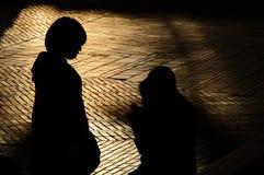Σκιαγραφίες των ιαπωνικών κοριτσιών Στοκ φωτογραφία με δικαίωμα ελεύθερης χρήσης