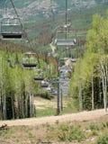 σκι ανελκυστήρων 2 εδρών Στοκ εικόνα με δικαίωμα ελεύθερης χρήσης