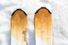 Σκι στο χιόνι Στοκ Φωτογραφίες