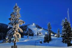 σκι τοπίου νύχτας βουνών &alpha Στοκ Εικόνες