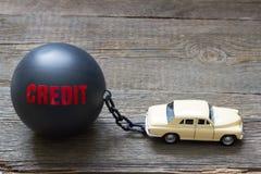 Σκλάβος και δεσμός της αφηρημένης έννοιας δανείου πιστωτικών αυτοκινήτων Στοκ φωτογραφία με δικαίωμα ελεύθερης χρήσης