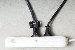 Σκοινιά που συνδέονται ηλεκτρικά με το εργοτάξιο λουρίδων δύναμης στοκ φωτογραφίες με δικαίωμα ελεύθερης χρήσης