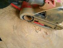 Σκονισμένο ηλεκτρικό sander στοκ εικόνες με δικαίωμα ελεύθερης χρήσης