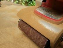 Σκονισμένο ηλεκτρικό sander στοκ εικόνα με δικαίωμα ελεύθερης χρήσης