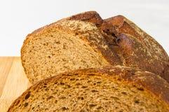 σκοτάδι ψωμιού που τεμαχί Στοκ Εικόνα