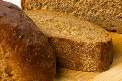 σκοτάδι ψωμιού που τεμαχί Στοκ φωτογραφία με δικαίωμα ελεύθερης χρήσης