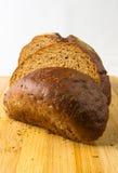 σκοτάδι ψωμιού που τεμαχί Στοκ Φωτογραφία