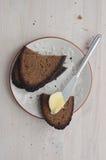Σκοτεινές φέτες ψωμιού σίκαλης Στοκ φωτογραφία με δικαίωμα ελεύθερης χρήσης