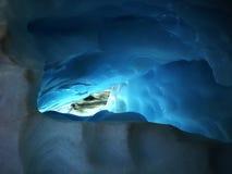 Σκοτεινή αψίδα παγετώνων Στοκ φωτογραφίες με δικαίωμα ελεύθερης χρήσης