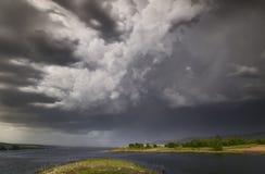 σκοτεινή θύελλα σύννεφω&n Στοκ Εικόνες